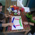 Activité peinture dans la journée